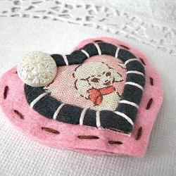 Shabby little Lamb Hair clip - Pink and Black, Vintage Inspired - Felt, Girly, Kawaii, pretty, button ,handsewn, heart